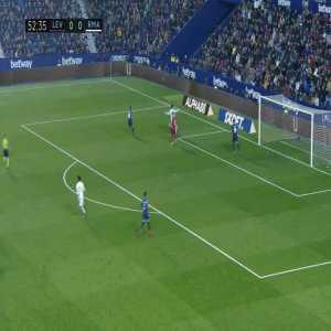 Hazard chance against Levante (53')