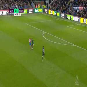 Lazaro V. (Newcastle) red card against Crystal Palace 90+5'
