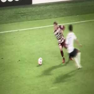 Andrés Iniesta (Vissel Kobe) Great dribbling in the box