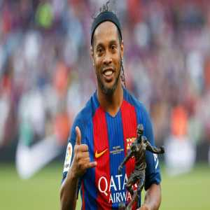 [RAC1] A tribute to Ronaldinho will be Wednesday, August 19th at the Camp Nou. Barça are preparing a Legends match with Ronnie's teammates against a world-class team. Pirlo, Henry, Roberto Carlos, Nedves, Saviola or Maldini are just some of the possible names.