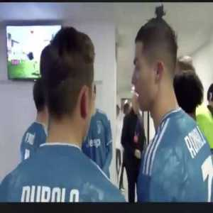 """The conversation between Dybala and Ronaldo vs Lyon after HT: """"The midfield doesn't support us, we're by ourselves."""""""