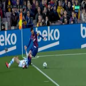 Lionel Messi (Barcelona) stamp on Diego Llorente (Real Sociedad)
