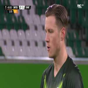 Wout Weghorst (Wolfsburg) penalty miss against Shakhtar 45'+1'