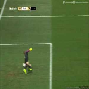 Iceland [2]-1 England - Sigþórsson 18'