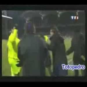 Olympique Lyonnais 1 - 0 Barcelona Juninho great free kick