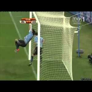 Uruguay 1-1 Ghana: Luis Suarez's handball and Gyan's penalty miss 120'