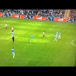Yaya Toure Goal vs Sunderland Capital One Cup Final 2014 (great goal)