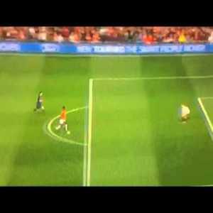 Danny welbeck legendary chip vs Neuer