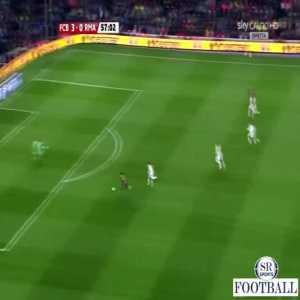 Lionel Messi - Brilliant pass to David Villa (vs Real Madrid 2010)