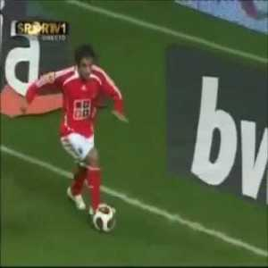 Miccoli (Benfica) great skill (Berbatov-esq)