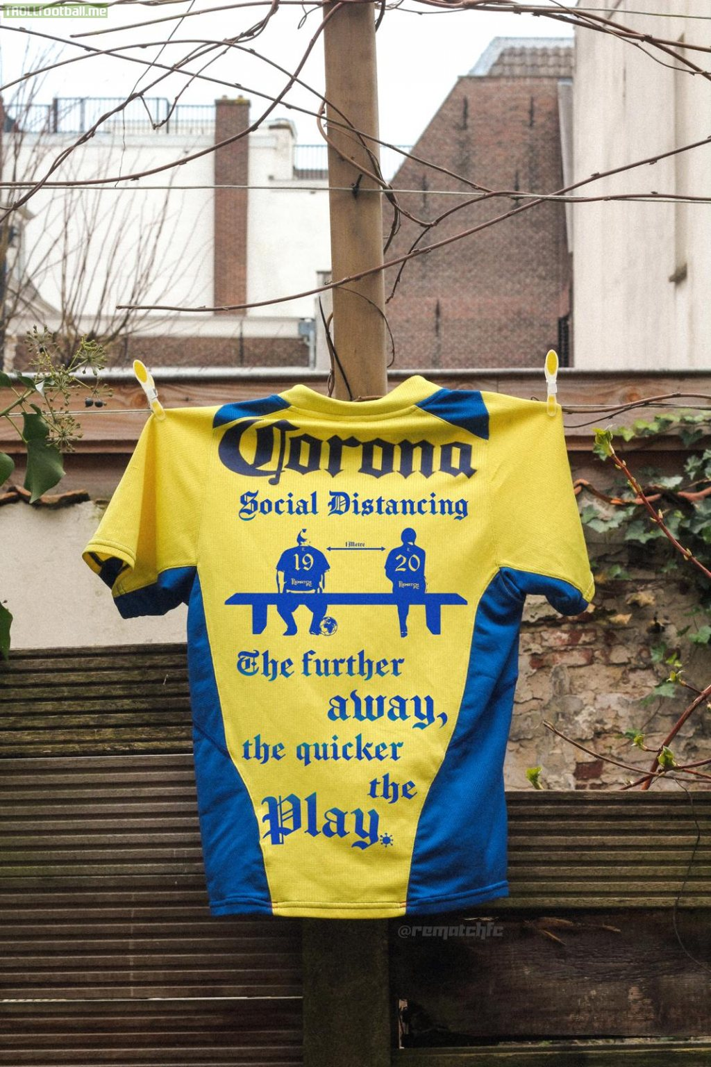 My friend repurposes classic football jerseys. In light of current events, this is how he repurposed a classic Club America jersey to share the importance of social distancing.