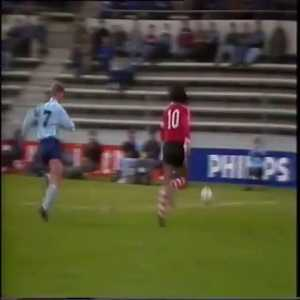 Louis van Gaal pretends to dive, because he claims Van der Gijp dived following his tackle during Sparta - PSV in 1986