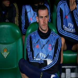 "[Diario AS] Bale's agent Jonathan Barnett: ""Bale's future with Real Madrid? He loves the club, the city and he has a contract. The club, however, are fretting over their revenue and with competitions postponed, they're weighing up several different scenarios."""