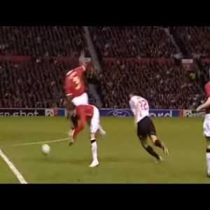 Kaka's great goal vs Manchester United - UEFA Champions League 2006-07 Semi Final