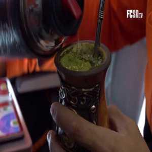 Shakhtar players sharing same straw amidst Corona outbreak.