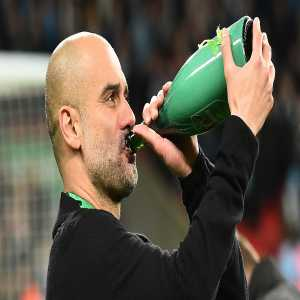 """Pep Guardiola: """"We miss football. We miss the life we had a few days ago, but now is the time to listen, to follow our scientists, doctors and nurses... """"We'll come back from this stronger, better, kinder, and a little bit fatter. Stay inside, stay safe."""" 🤗"""