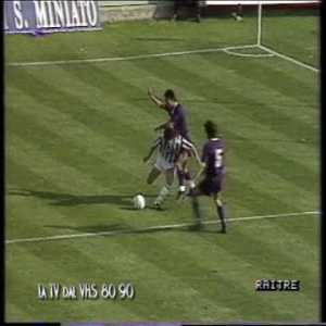 On this day in 1991 - Roberto Baggio's first match returning to Florence wearing Juventus colors. He refuses to take a penalty and Fiorentina win the match 1-0.