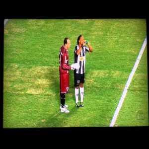 Atlético Mineiro [2]x1 São Paulo - Jô - Copa Libertadores da América. A cheated asssited by Ronaldinho