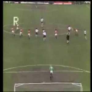 Dalglish miss vs Man United