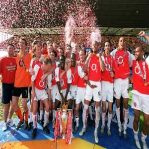 On this day in 2004, Arsenal defeated Leicester 2-1 to earn the 'Invincibles', finishing the Premier League campaign unbeaten.
