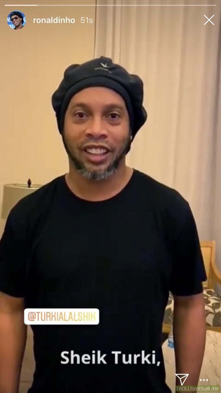 Ronaldinho reappears on social media