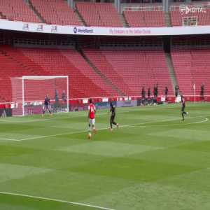 Aubameyang scores while falling down (Arsenal v Charlton Friendly)