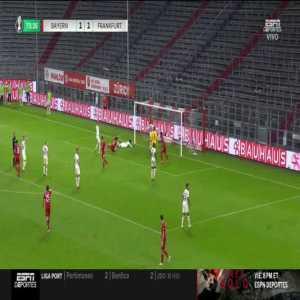 Bayern Munich 2-1 Eintracht Frankfurt: Robert Lewandowski goal