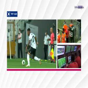 Amir Hadziahmetovic (Konyaspor) straight red card against Besiktas 15'