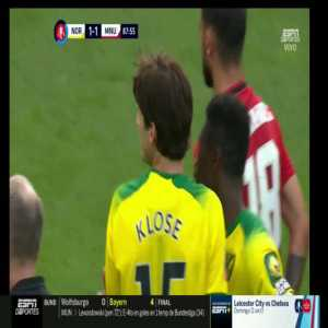 Timm Klose (Norwich City) red card foul vs. Manchester United [FA Cup] 88'