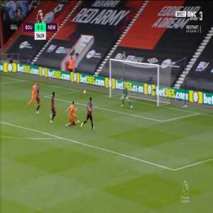 Bournemouth 0 - [3] Newcastle - Almiron 57'
