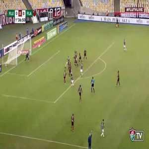 Fluminense [1] - 0 Flamengo - Gilberto 37'