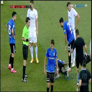 Fallon d'Floor nominee from Romanian Liga I: striker acts unconscious after failing to beat goalkeeper to the ball