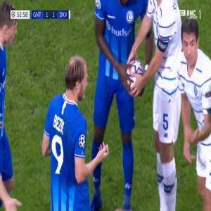 Roman Bezus (Gent) second yellow card against Dynamo Kiev 53'