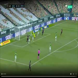 Real Betis 0 - [0] Real Madrid 2' Benzema Ruled out - offside