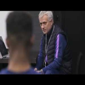 Jose Mourinho cries after his dog dies, Tottenham players react - Spurs Amazon Documentary