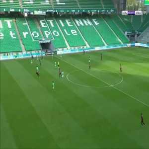 Saint-Étienne 0-2 Nice - Amine Gouiri 31' (bad GK mistake)