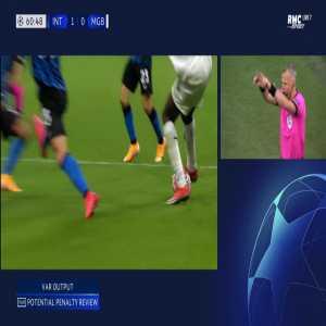 Inter 1-[1] Monchengladbach - Ramy Bensebaini penalty 62'