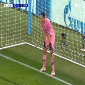 Manchester City [1]-1 FC Porto - Sergio Aguero penalty 20'
