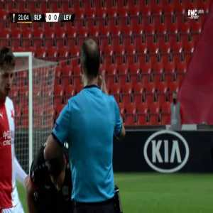 Karim Bellarabi (Leverkusen) red card foul on Lukáš Provod (Slavia)