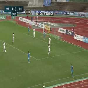 Blaublitz Akita (5)-0 Kamatamare Sanuki - Ryota Nakamura amazing chip goal