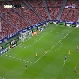 Atlético Madrid [1] - 0 FC Barcelona - Yannick Carrasco 45+3'