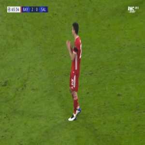 Marc Roca (Bayern Munich) second yellow card against RB Salzburg 66'