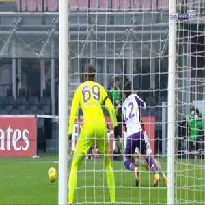 Bartlomiej Dragowski (Fiorentina) penalty save against Milan 40'
