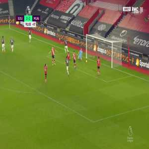 Southampton 2 - [3] Manchester United - Edinson Cavani 90+2'
