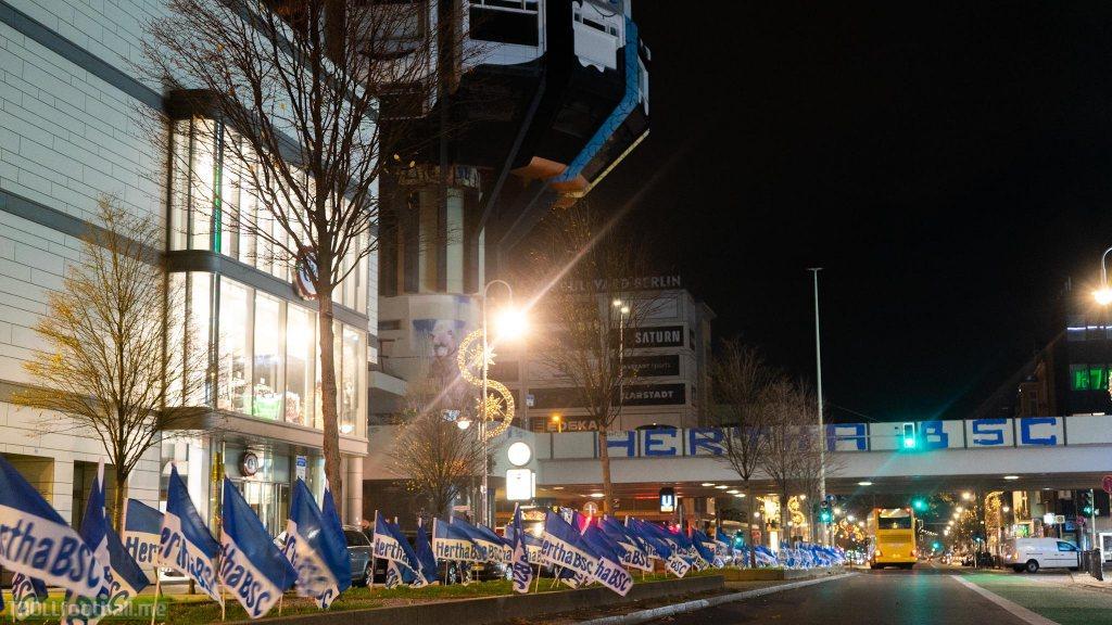 Hertha BSC put up thousands of flags across Berlin last night, ahead of this weeks Berlin Derby