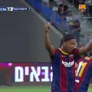 Barcelona legends [1] - 0 Real Madrid legends - Ronaldinho's penalty kick goal