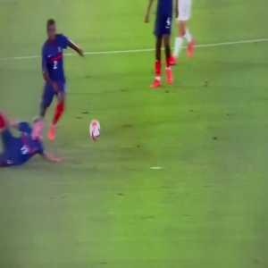 Japan [1] - 0 France: Take Kubo 27'