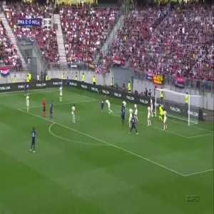 Luka Modric hits the crossbar 52'