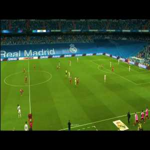 Luka Modric receives the standing ovation from fans after being substituted in Santiago Bernabeu against Celta Vigo