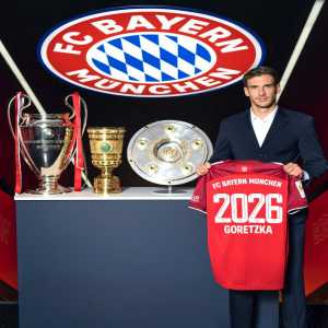 [FC Bayern München] Leon Gotetzka has extended his contract until 2026